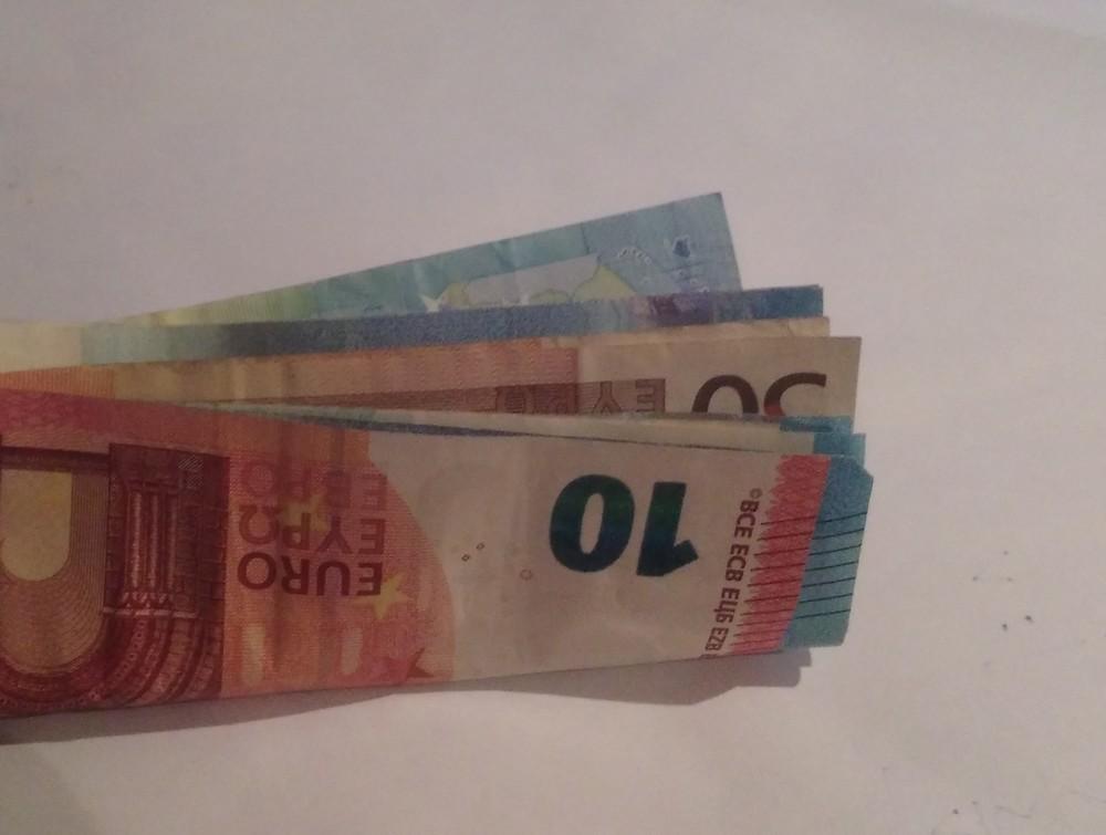Geldscheine im Minigeldbeutel